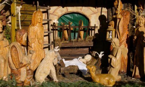 Pána práve 25. december. 1969 sa tieto dva sviatky nahradili Slávnosťou Panny Márie Bohorodičky.